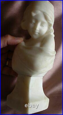 Alberto CURRINI Sculpture buste en albâtre fillette au turban art nouveau