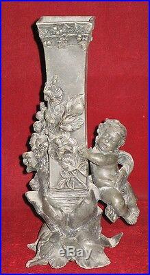 Ancien Vase en étain Puti Enfant Fleurs 1900 Sculpture Statue Soliflore Ange