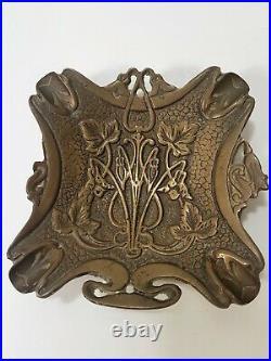 Ancienne sculpture cendrier vide poche Art nouveau