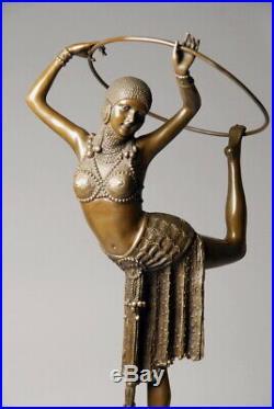 Art Nouveau Grande sculpture signée D. Chiparus Bronze d'art