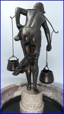 Art Nouveau Porteuse d'eau Sculpture sur vasque en marbre 1910 rare