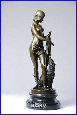 Art nouveau- nu au lévrier- Belle sculpture en bronze sig Césaro- envoi gratuit