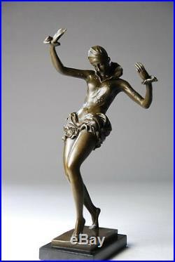 Belle sculpture Art Nouveau- danseuse signée Nick bronze