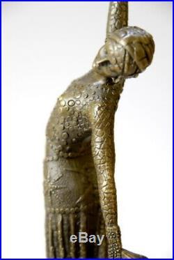Belle sculpture- Art Nouveau de D. Chiparus- bronze- beaux détails- envoi gratui