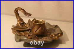Bougeoir en bronze patiné Art Nouveau libellule signé Léon Dusouchet 1876-1936