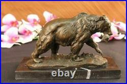 Bronze Grizzly Bear Chasse Poisson Rivière Sculpture Art Marbre Base Décor