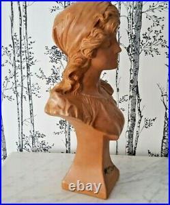 Buste Jeune femme par Le Guluche Art Nouveau en terre cuite bohémienne 22176