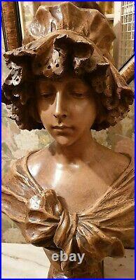 Buste femme signé et numéroté 996 de G Van Vaerenbergh. Parfait état. Art Nouveau
