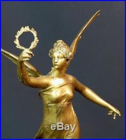 D 1910 belle Sculpture bronze doré P. DUCUING la renommée 42c3.3kg Barbedienne