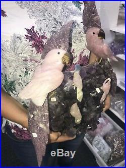 Famille Oiseau Sculpture Art par Rose Quartz et Tourmaline sur Améthyste Base