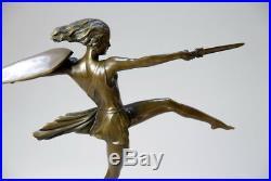 Grande sculpture Art Nouveau en bronze véritable, signée
