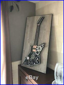 Guitare Art deco unique en metal scrap scraping style Gibson Explorer Sculpture