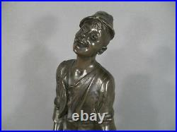 Jeune Garçon Au Tonneau Sculpture En Régule Signée Epoque 1900 Art Nouveau