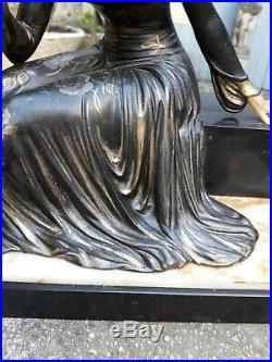 Sculpture Art Deco. Art Nouveau. Élégante sur Marbre