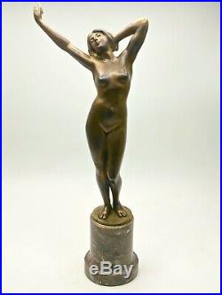 Sculpture Nu féminin en Bronze signé époque Art Nouveau 1900