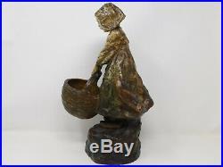 Sculpture, art nouveau, en terre cuite signé A. Capaldo, hauteur 37 cm