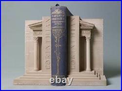 Serre-Livres Paire dans La Forme De Corinthien Piliers Fait De Gypse Plâtre