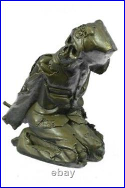 Skelton Allongé Vin Support Bronze Statue Sculpture Figurine Fonte Art Décor