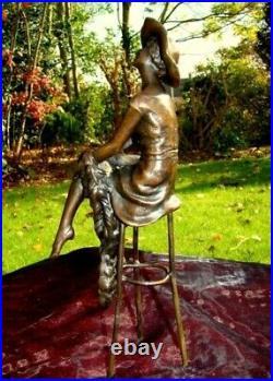 Statue Sculpture Demoiselle Pin-up Chapeau Style Art Deco Style Art Nouveau Bron