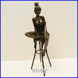 Statue Sculpture Demoiselle Sexy Style Art Deco Style Art Nouveau Bronze massif