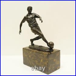 Statue Sculpture Football Style Art Deco Style Art Nouveau Bronze massif Signe