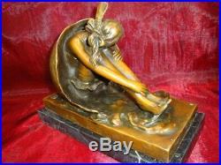 Statue Sculpture L'oeuf Mercure Style Art Deco Style Art Nouveau Bronze massif S