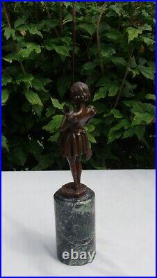 Statue Sculpture Pecheuse Style Art Deco Style Art Nouveau Bronze massif Signe