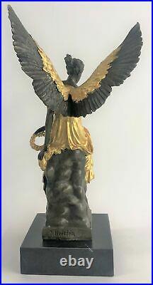Statue Sculpture Winged Victoire Art Déco Style Art Nouveau Style Bronze Fonte